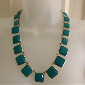 Jewelry - GREEN STONE/GOLD ACCENTS STATEMENT NECKLACE.